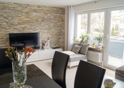 Verkauft: Schöne renovierte 3-Zimmer-Wohnung in RV-Süd, Weingartshof