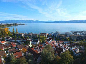 VERKAUFT: Großzügige Dachgeschosswohnung mit zwei Balkonen, Alpen- und Teilseeblick, 88079 Kressbronn am Bodensee, Dachgeschosswohnung